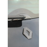 Renaultsport Megane 2 windscreen wiper surround