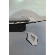 Renaultsport Megane 2 windscreen wiper surround